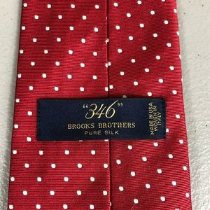 Brooks Brothers 346 Red and White 100% silk Tie